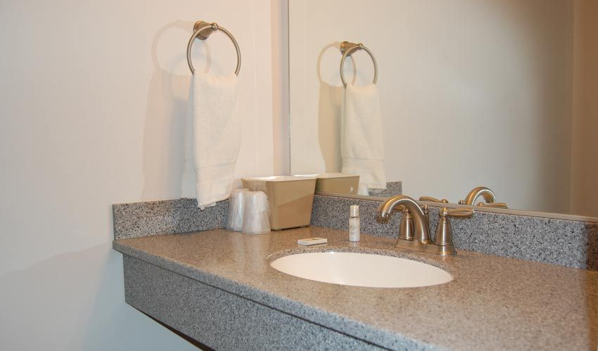 mini suite bath sink